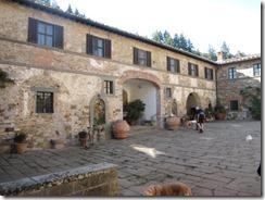Chianti-Baida courtyard (2)