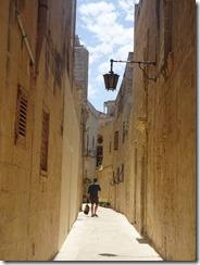 narrow alley 02
