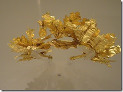 gold ivy wreath 03