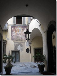 Florence-courtyard-g