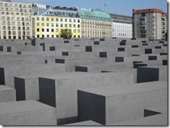 Holocaust Mon-g (2)