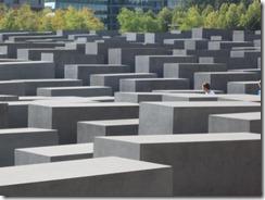 Holocaust Mon-g