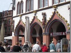 Trier-bldg detail (2)