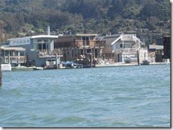 kayak-houseboat row-g (2)