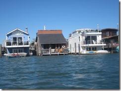 kayak-houseboat row-g