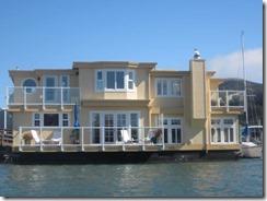kayak-houseboat-vg