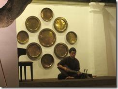 musician at hotel