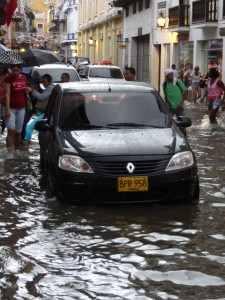 Car driving through flooded streets 01_01