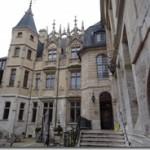 Hotel de Bourgtheroulde courtyard