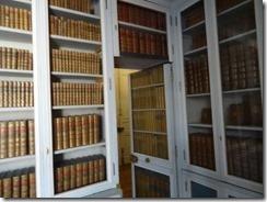 Marie Antoinette library 02