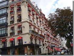Avenue Montaigne 01