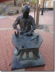 statue 04