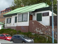 corregated iron house 01