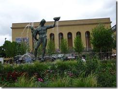 posiden statue