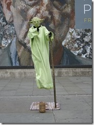 entertainers in London - Yoda
