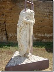 togati statues 01