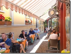 Bellagio sidewalk restarants